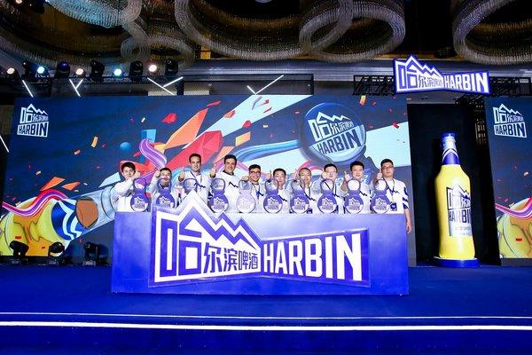 上海街舞大赛_现场,更有世界街舞大赛铁人赛冠军 -- 李健带来精彩的手指舞表演,并